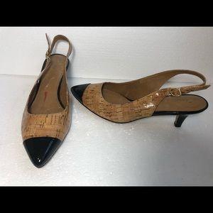 Clarks Artisan Slingback kitten heels pointed toe
